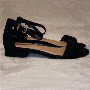 Ankle strap low heal